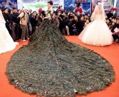 Peacock-Feathers-Vivienne-Westwood-Wedding-Dress