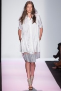 bcbg-rtw-ss2014-runway-03_134926165947.jpg_collection_grid_tn