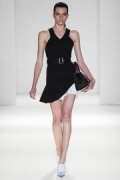 victoria-beckham-rtw-ss2014-runway-04_125435506590.jpg_collection_grid_tn